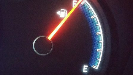 Fuel-gauge-408333_640_thumb_main